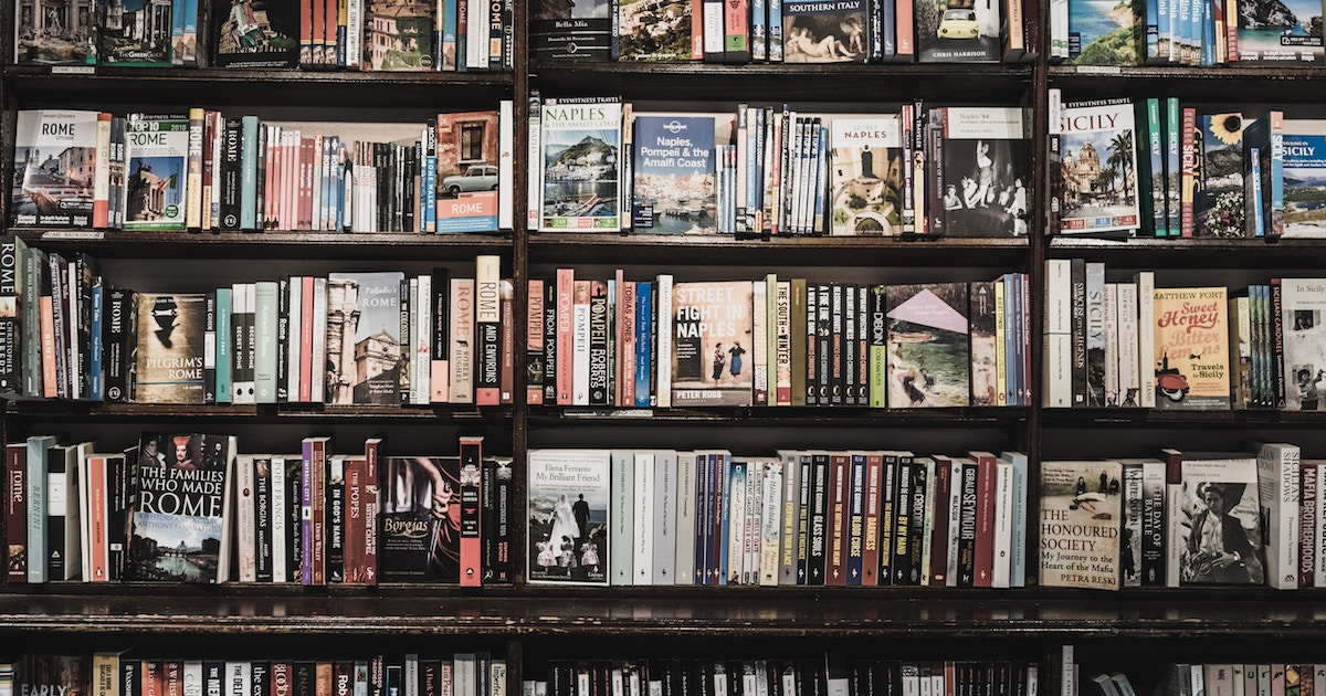 BANNER Book Shelves ugur akdemir 664735 unsplash 1200×630